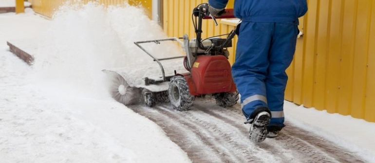 Reasons to Hire Snow Removal Services in Oshkosh, WI Well Before Winter Starts