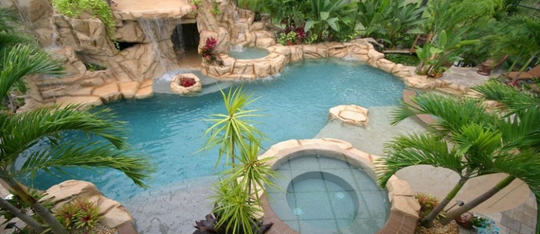 How to Design Custom Swimming Pools in Tampa