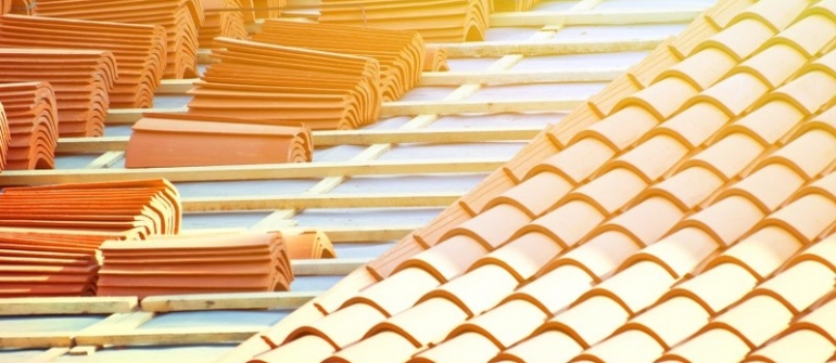 Roofing Contrcator in Hendersonville can Prolong the Life of your Roof