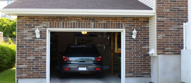 What to Know about Hurricane Garage Door Service in Winter Haven, FL