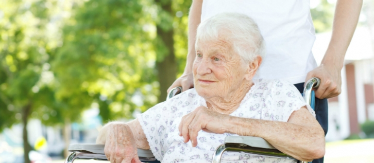 Avoid Senior Care Facilities in Santa Rosa Beach, FL, by Hiring Home Care Workers